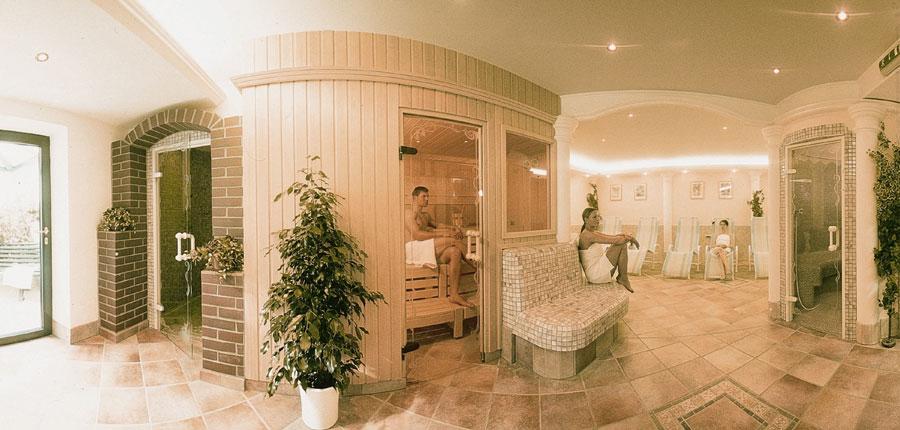 Hotel Strolz, Mayrhofen, Austria - spa area with sauna.jpg